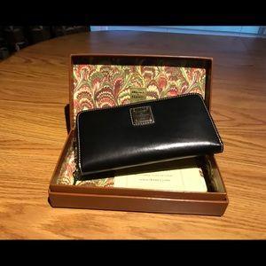 Dooney & Bourke Black Zip Around Leather Wallet